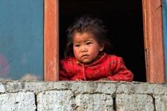 Bimba pensierosa del paese di Karsha, Ladakh
