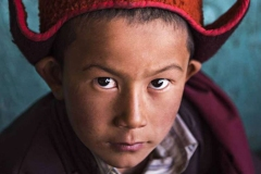 Giovane monaco a scuola