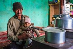 Famiglia buddista del Kashmir indiano