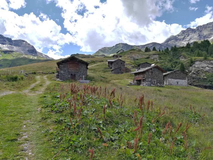 Le baite di pietra dell'Alpe Borghetto